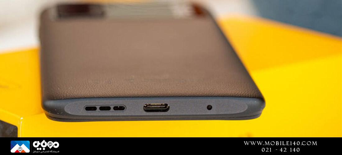 اسپیکر استریوهای دیگر، میکروفون و پورت USB-C را مشاهده نمایید.