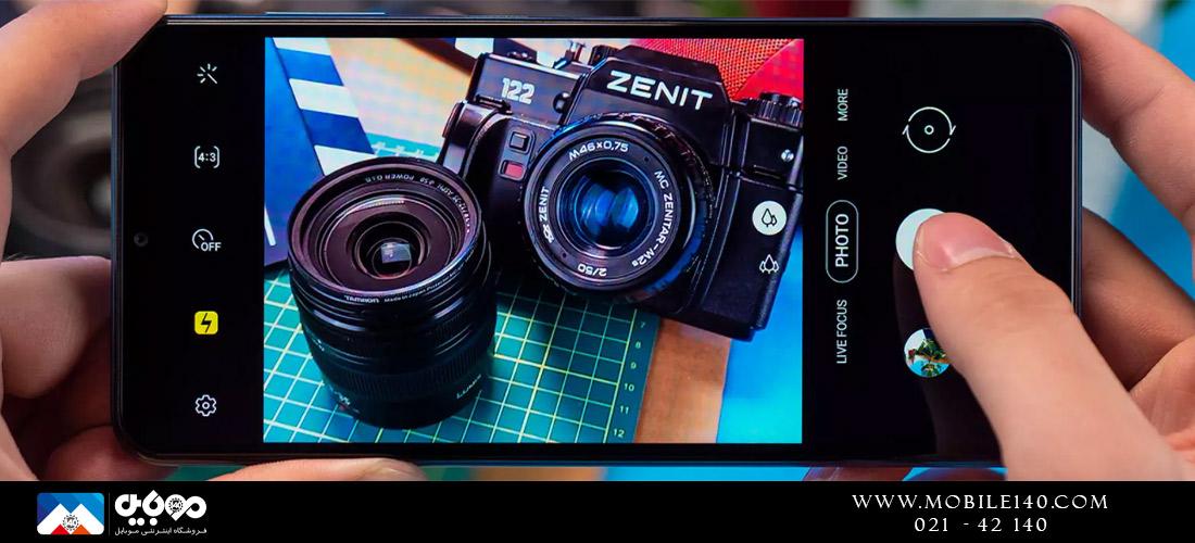 در فضای رقابتی تنگاتنگ گوشیهای اقتصادی و میانرده، افزایش تعداد دوربینها یکی از سیاستها برای فروش بیشتر است و سامسونگ نیز از همین روش پیروی میکند.